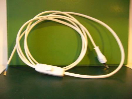Szerelt hálózati csatlakozó 2,5m -es kapcsolóval